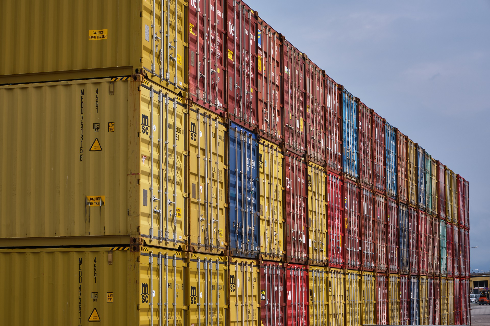 Stockage discount extérieur en container